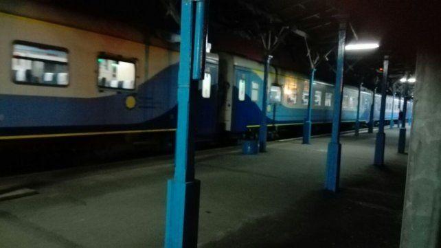 Esta noche se inauguró el servicio de trenes entre Retiro y la estación Rosario Norte