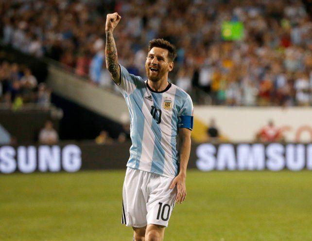 Desde el banco. Messi jugó 30 minutos ante Panamá y 45 frente a Bolivia.
