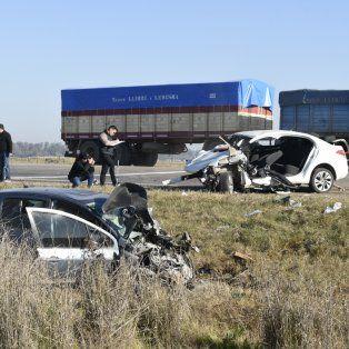 El accidente se produjo alrededor de las 8.15 de hoy. Bomberos y policías realizan pericias.