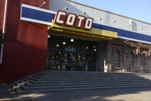 Coto tiene cuatro sucursales en Rosario.