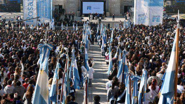 Más de siete mil chicos prometieron lealtad a la bandera.