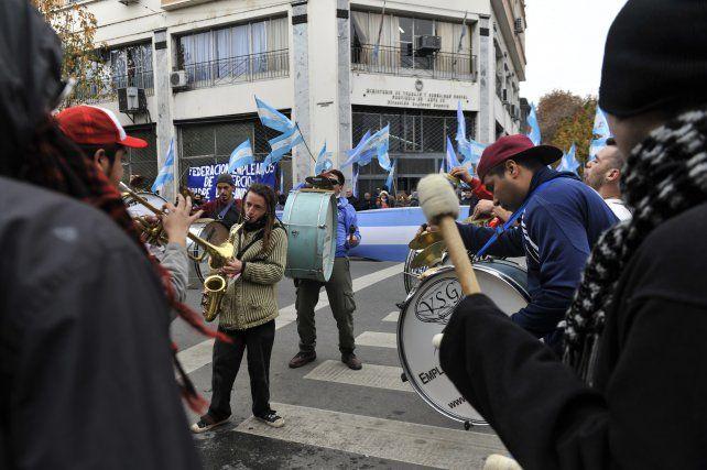 Los trabajadores de Bleger en una de las manifestaciones en la cartera laboral.