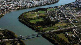 Ideas turísticas. No sólo el puente une a las ciudades de Río Negro y Buenos Aires.