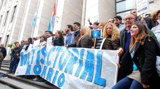 La multisectorial realizó una concentración en los tribunales provinciales.