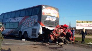 Una madre y su hija murieron en un tremendo accidente en la autopista Rosario - Buenos Aires