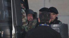 La detención in fraganti tratando de esconder una fortuna sacó a López, que ayer sumó otra denuncia.