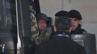 La detención in fraganti tratando de esconder una fortuna sacó a López