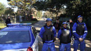 Los policías realizaron varios procedimientos en el convento de General Rodríguez.