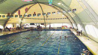 Los natatorios de los clubes podrían cerrar en invierno si no se soluciona el problema con la tarifa del gas.