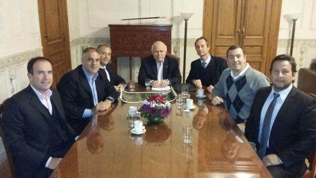 Diálogo. El gobernador con miembros de la Asociación Empresaria