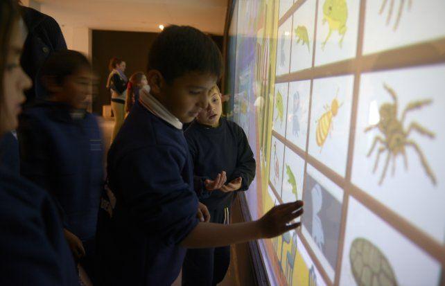Los chicos son protagonistas en el Museo Provincial de Ciencias.