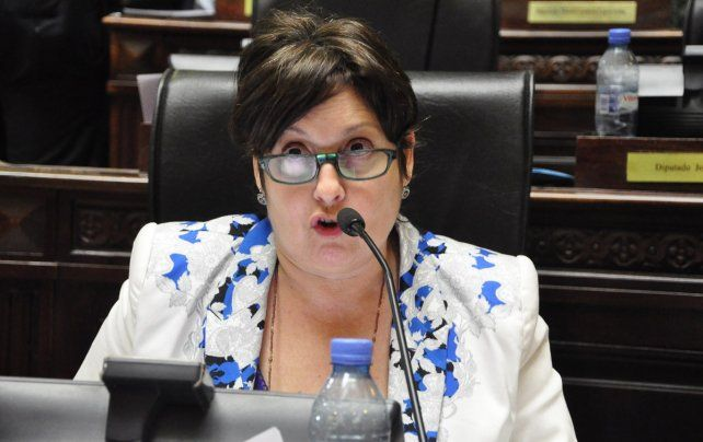 La legisladora de ECO se opone al resarcimiento económico del Estado al fútbol.