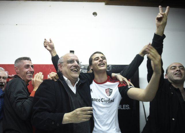 Con el 29 por ciento de los votos, Eduardo Bermúdez se convirtió en el nuevo presidente de Newells
