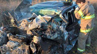 sobre la ruta. El Peugeot de la víctima fatal
