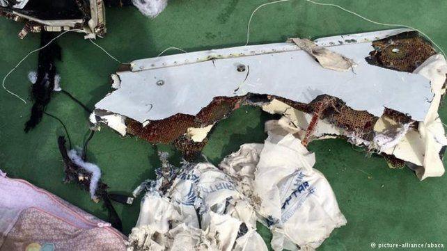 restos. Del avión sólo se recuperaron pequeños fragmentos