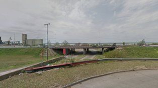 La víctima estaba debajo del puente de Uriburu y Acceso Sur.