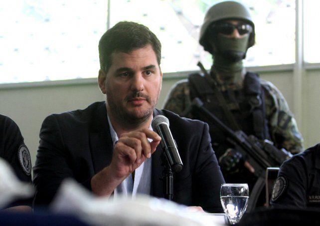Burzaco dijo que el gobierno anterior otorgaba permisos falsos de importación  a Pérez Corradi
