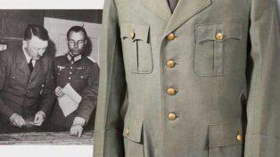 Hitler. La última chaqueta del líder nazi fue adquirida ayer en una subasta.