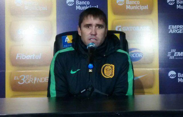 El Chacho dejó frases destacadas en su primera conferencia de prensa en el semestre.
