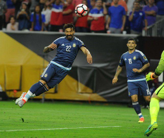El cabezazo de gol de Lavezzi