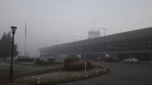 La aeropuerto rosarino esta mañana no está operable.