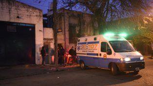 Una mujer fue asesinada esta tarde en la puerta de su casa en la zona sur