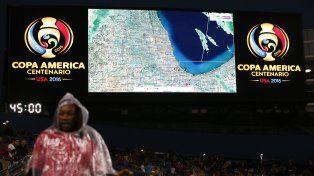 El radar del clima en la pantalla gigante del estadio de Chicago