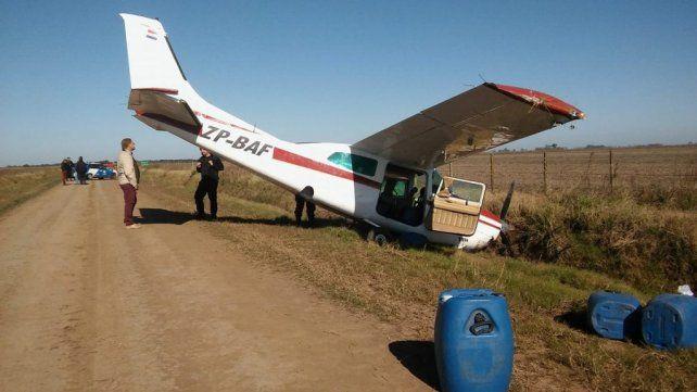 Misterio en el campo. La avioneta cayó este martes en la zona de Los Cardos y sus ocupantes huyeron. Ahora viene el capítulo de los reproches.