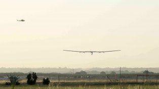El Solar Impulse se aproxima a tierra. Fue esta mañana