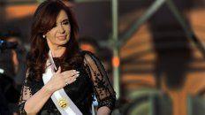 Los imoutados haber blanqueado dinero de origen ilegal mediante aportes a la campaña electoral que llevó a Cristina Fernández de Kirchner a la presidencia en 2007Cristina