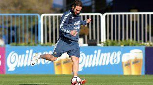 Higuaín destacó las bondades futbolísticas de Chile pero dijo que Argentina está muy bien.