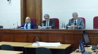 Tribunal. Los jueces Barabani, Digerónimo y Venegas Echagüe dieron una pena unificada de 7 años y medio a Muga.
