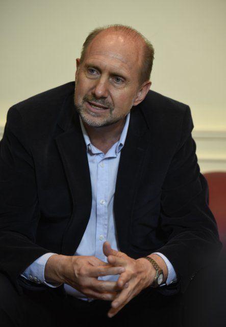 El senador rafaelino Omar Perotti.