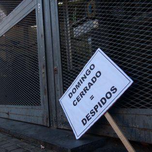 El cartel es elocuente. Fue colocado ayer en la sede del ministerio de Trabajo provincial.