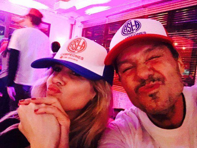 Tinelli y su esposa