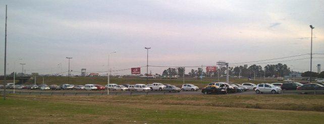 Circunvalación estuvo colmada de vehículos durante la tarde.