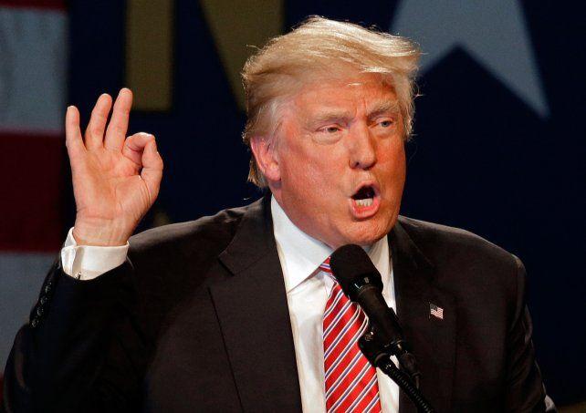 Enfurecido. Al estadounidense Donald Trump no le cayeron bien las preguntas de los pediodistas y los insultó.