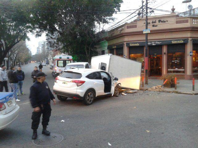 Así quedaron los vehículos tras el violento impacto. Fue esta mañana en 9 de Julio y Rodríguez
