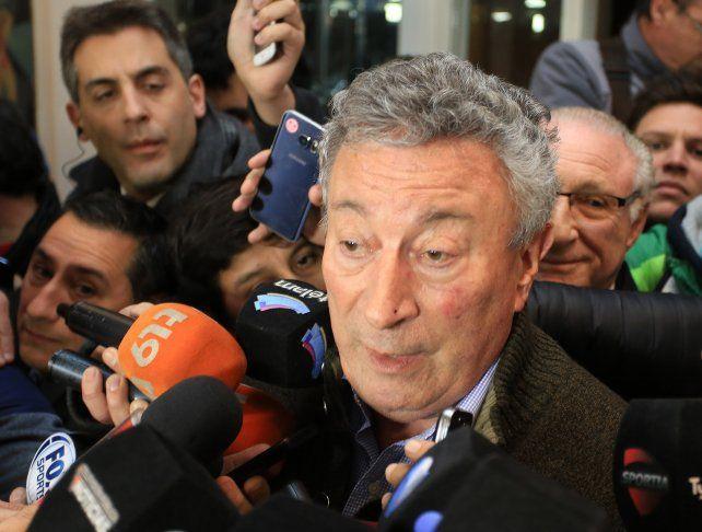 Segura dijo desconocer la decisión de Fifa y el lunes hablará con la jueza Servini de Cubría.