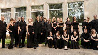La orquesta llega a Rosario. El violinista Gidon Kremer es el director de la agrupación surgida en 1997