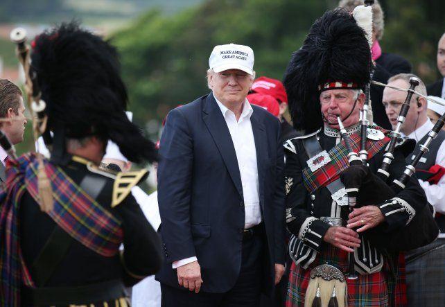 Oportunismo. Trump felicitó desde Escocia a los británicos.