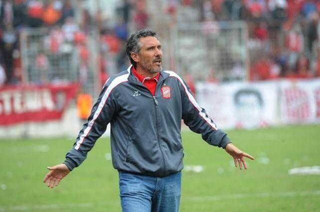 Cagna tomó las riendas del equipo tucumano y lo devolvió a la B Nacional.