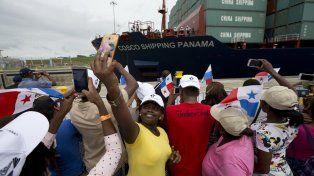 Un día histórico. Los panameños celebran con fuegos