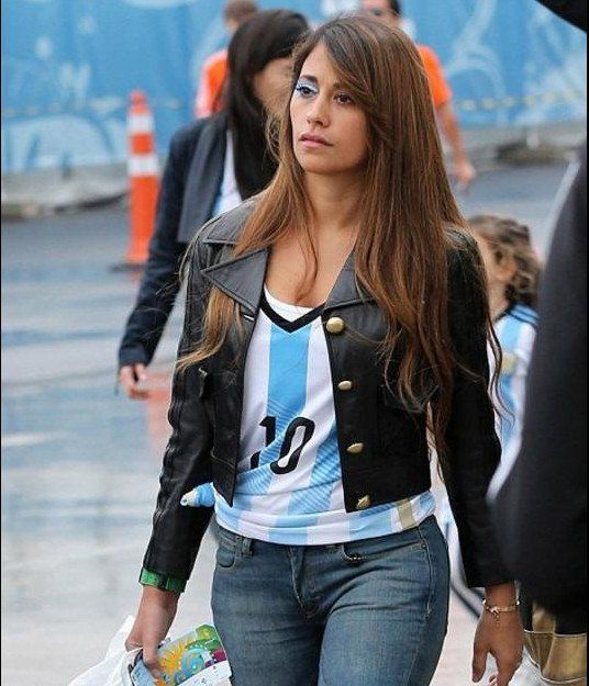 Una supuesta foto provocativa de la mujer de Messi armó un terrible revuelo