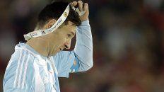 el mundo del futbol le pide a lionel messi que no renuncie a la seleccion argentina