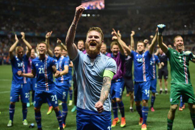 El relator de Islandia que dejó escapar toda su locura en el festejo del triunfo ante Inglaterra