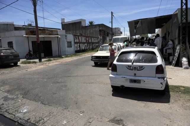 Enero 2015. Jonatan fue asesinado mientras lavaba el auto en Ayacucho y Seguí.
