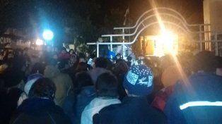 Manifestación en Capitán Bermúdez en reclamo por el asesinato de Mauro Emon