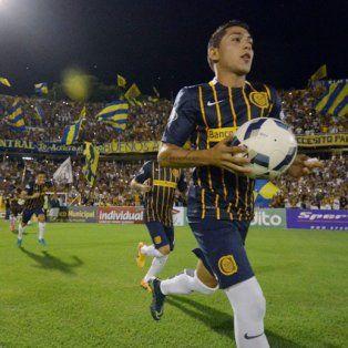 El defensor Víctor Salazar, con un pie fuera de Central.