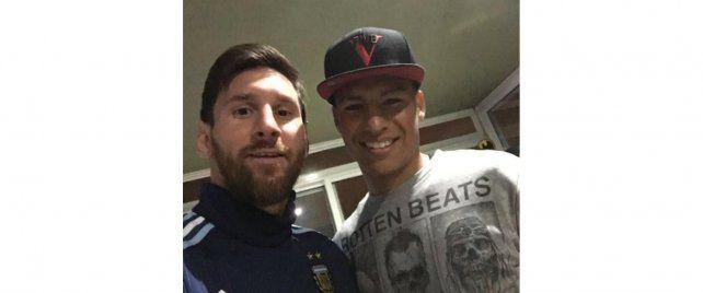 Lionel se retrató junto a Domingo Blanco.